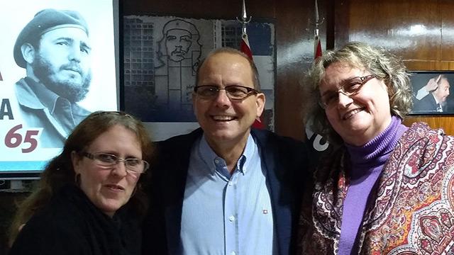 Embajador Extraordinario y plenipotenciario excelentísimo, Sr. Orestes Pérez Pérez y Silvana Jarmoluk.